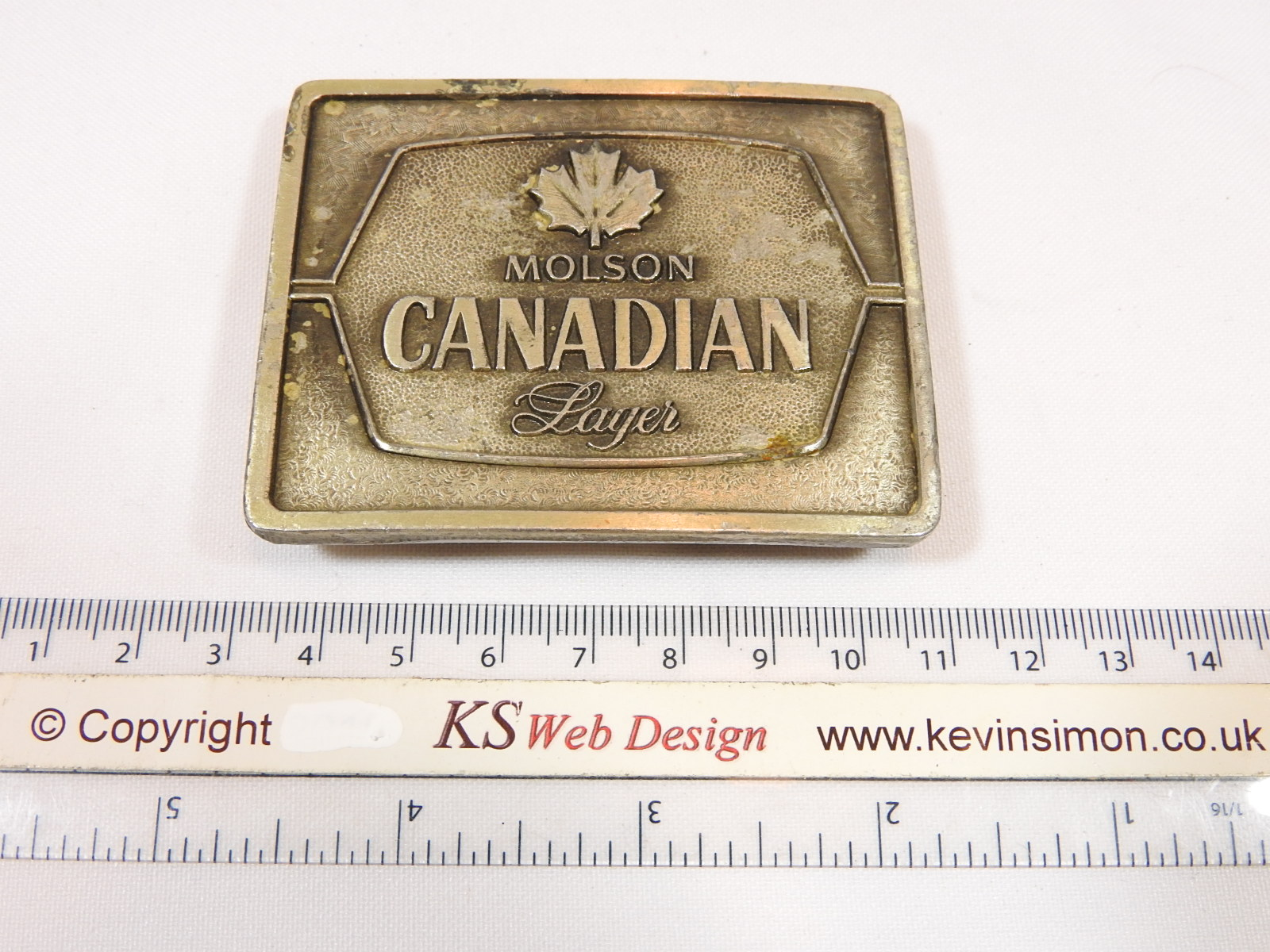 molson canadian larger metal brass belt buckle bottle opener 1977 bergamot. Black Bedroom Furniture Sets. Home Design Ideas